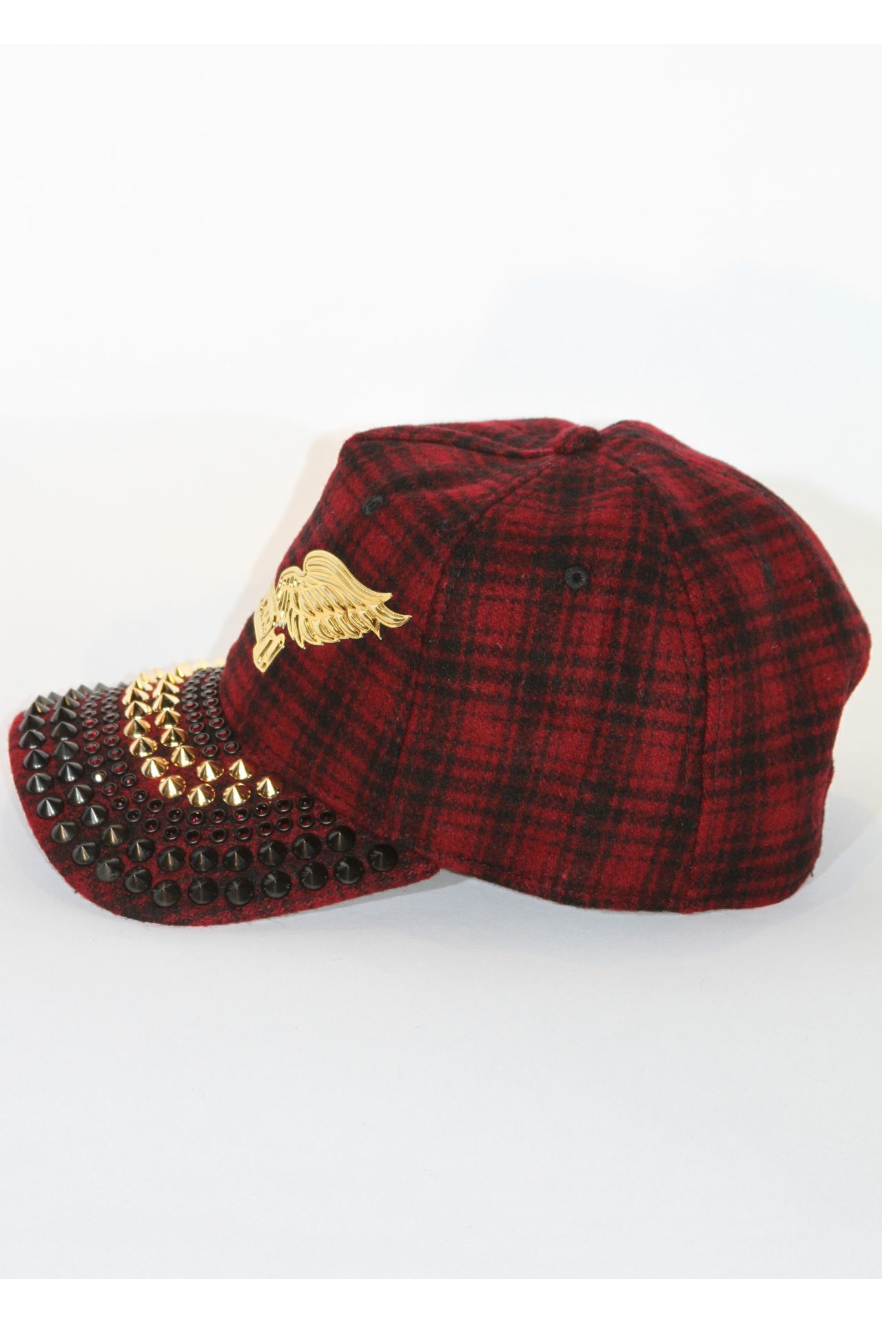 RED CAP WITH BLACK GARNET SW & GOLD SPIKES