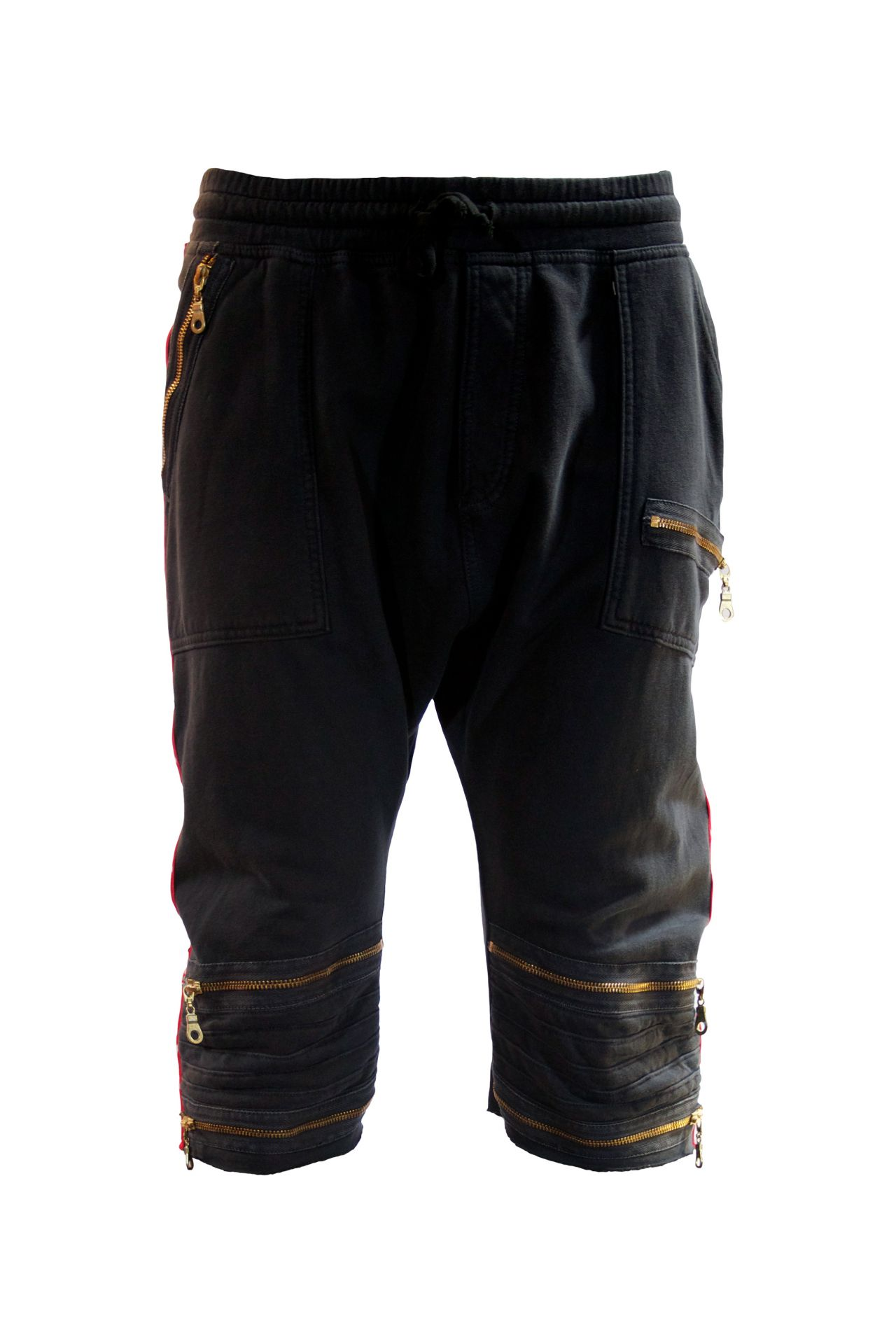 WHITE ON RED STAR SHORTS WITH SW IN BLACK