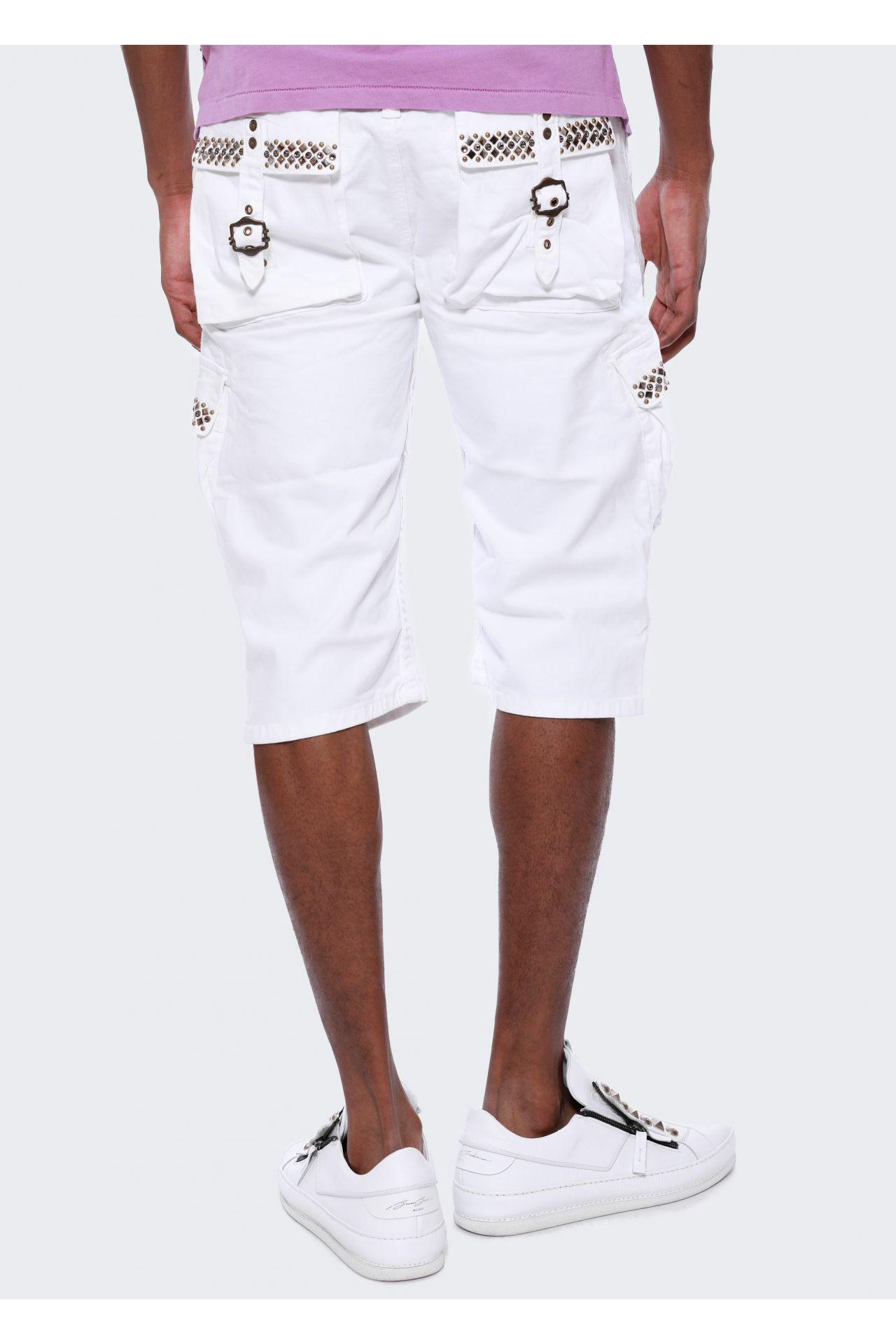 CARGO SHORTS IN WHITE WITH BLACK DIAMOND SW